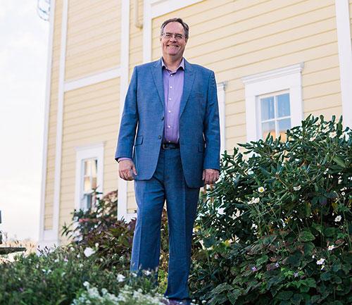 Ian Lindsay - Real Estate agent on Vancouver Island